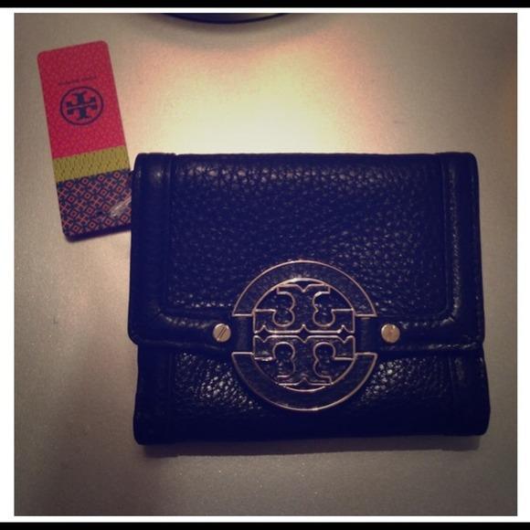 17f638d88ea REDUCED Black Tory Burch Amanda Snap Wallet