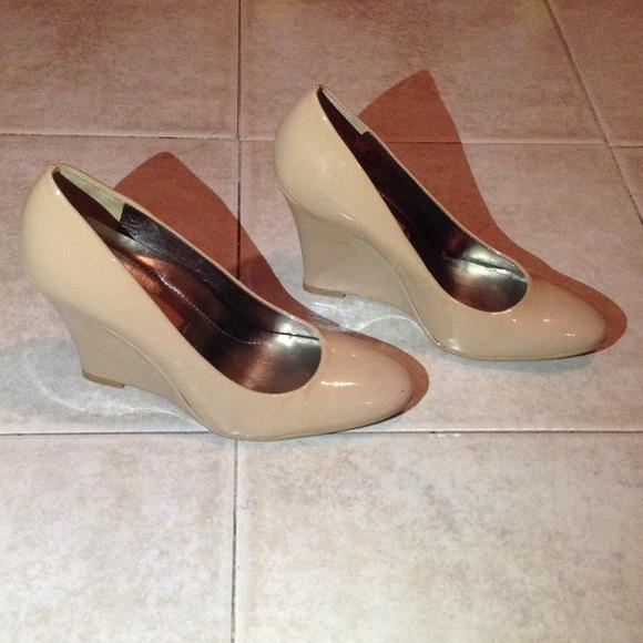 66faf59e8d Nine West Shoes | Beige Patent Leather Wedge Heel Size 7m | Poshmark