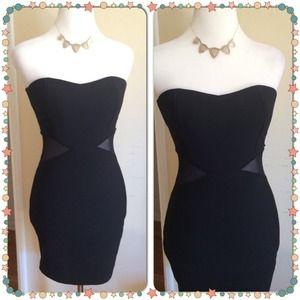 Dresses & Skirts - LBD Strapless Little Black Dress size S