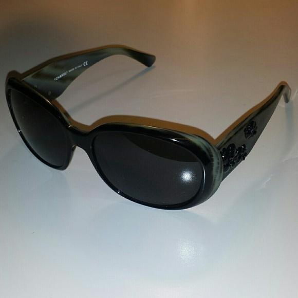 096eaa05d7d CHANEL Accessories - Chanel black CC camellia flower sunglasses