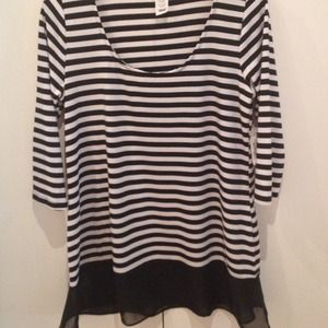Tops - NEW Black/White Striped Top