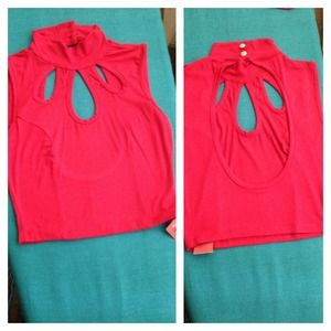 Red crop top size S