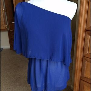 BNWT Tinley Road off the shoulder blouse
