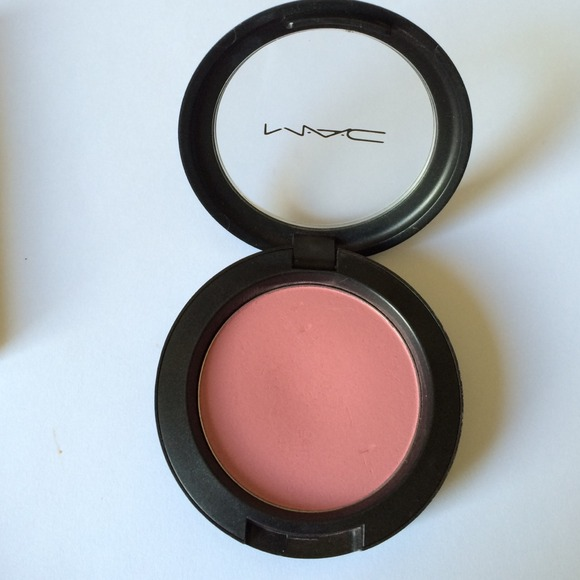 Mac Pinch o Peach blush (cool pink) discontinued?