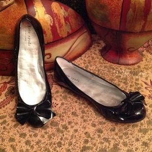 Black Patent Bow Kate Spade Ballerina Flat Shoes.