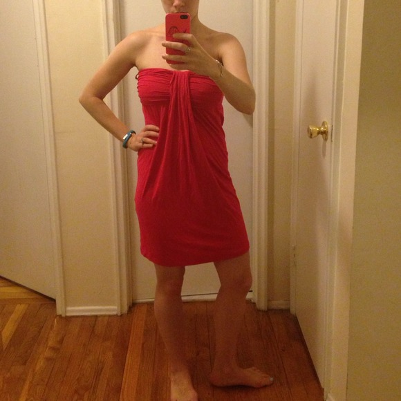 H&M Dresses & Skirts - Hot pink strapless dress!!