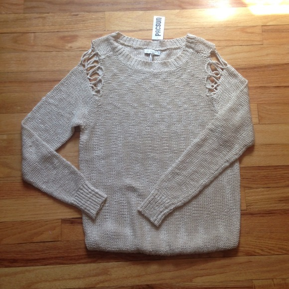 78cfbe3769 SOLD ON VINTED PacSun Cutout Shoulder Sweater. NWT.  M 53728fcd5d5f4e095701c9e3. M 53728fd2e6ce280a20012c4d.  M 53728fd84845e608ff01d8af