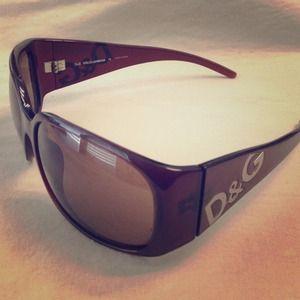 D&G Accessories - D&G sunnies 8002