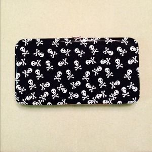 Skull and Bones Fashion Wallet