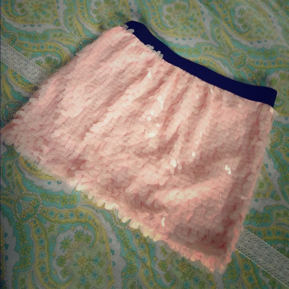 Dresses & Skirts - Peach/pink sequined mini skirt