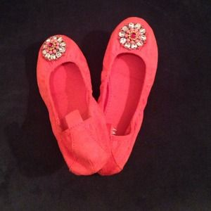 Coral Scrunchy Old Navy Flats size 7