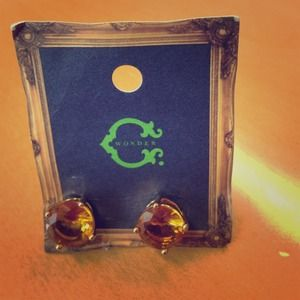 C wonder bling stud earrings