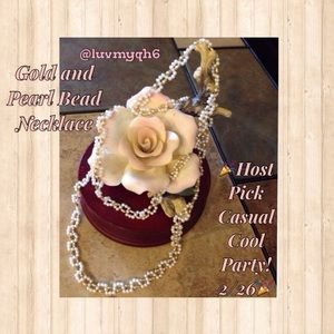 Jewelry - 🆑Gold and Pearl Bead Necklace🎉HP2/26🎉