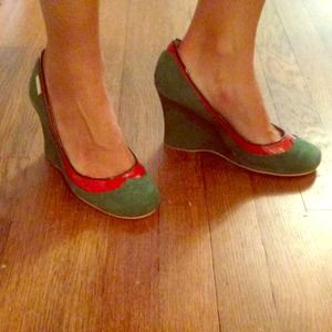 Sugar Green suede and red patent leather wedges