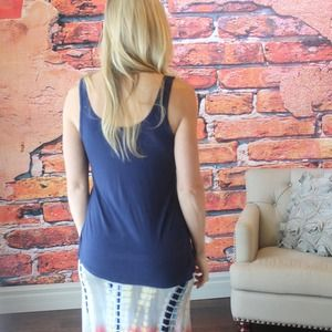 Tops - Navy jersey knit tank