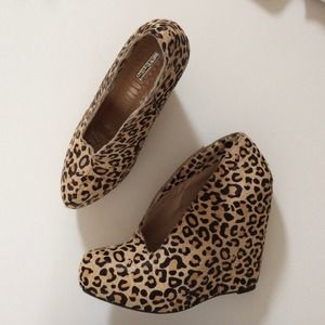 Matiko Shoes - REDUCED! Leopard Wedge