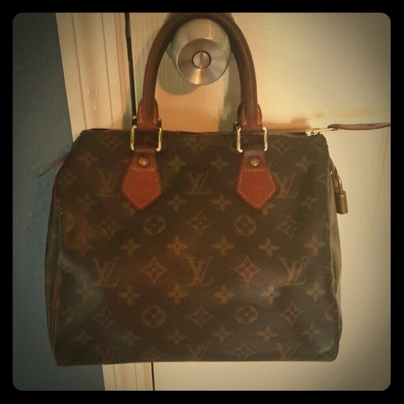 d6ab9bd476a1 Louis Vuitton Handbags - Authentic vintage LV speedy 25