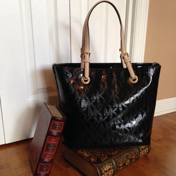 da689e376eab0a Michael Kors Bags | Mk Black Metallic Jet Set Monogrammed Grab Bag ...