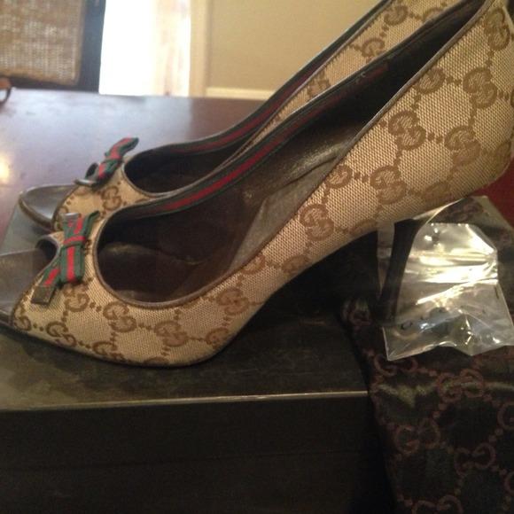 14d4b33461ae1 Women's size 10 Vintage Gucci monogram heels