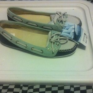Brand new size 7.5 sperry top sider