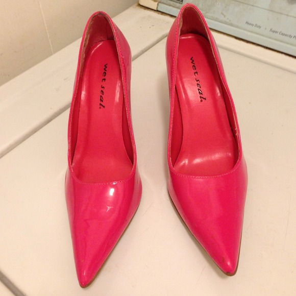 43 seal shoes reduced price pink pointy