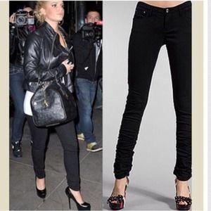Denim - ✨LAST ONE✨Black skinny jeans