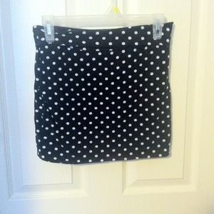 Spotted bodycon skirt