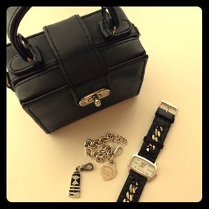 Handbags - - little black purse -