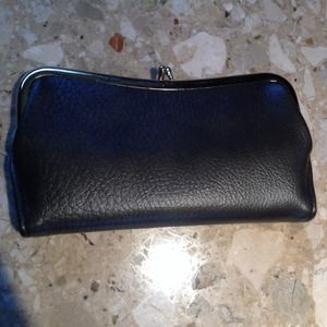Handbags - NWOT Brown leather clutch wallet