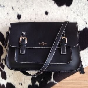 kate spade Handbags - Kate Spade Essex Large Messenger Bag