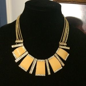Peachy Statement Necklace NWT