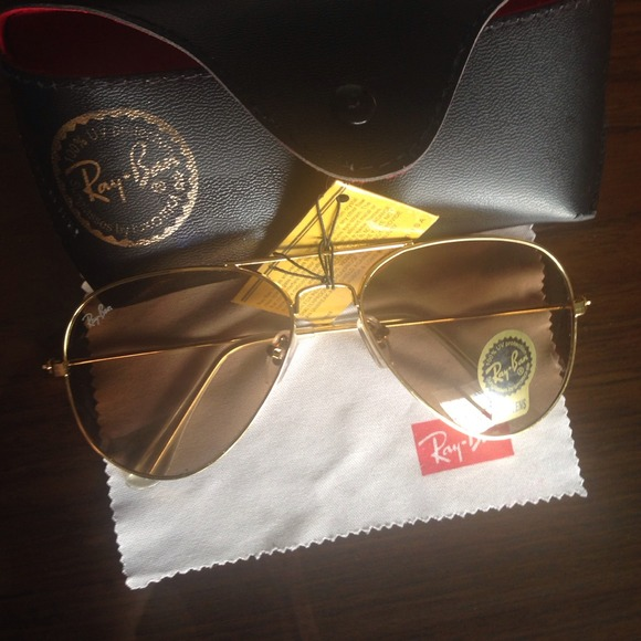 Ray-Ban Accessories - *Reduced* Ray Ban Aviators Sunglasses