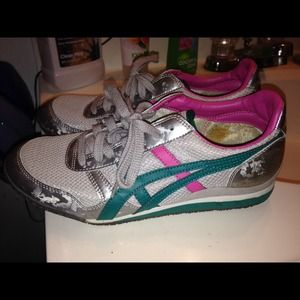 quality design 0c699 237e1 asics Shoes - Reduced‼️Asics Onitsuka tiger shoes from Journeys