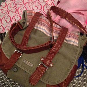 Women's Roxy Messenger Bag on Poshmark