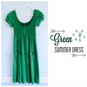 Green summer dress (size s)