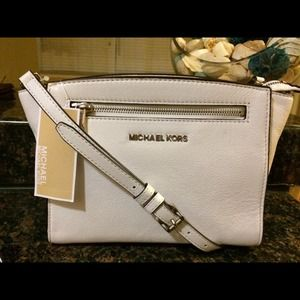 New MK med Optic White Sofie Messenger  Bag
