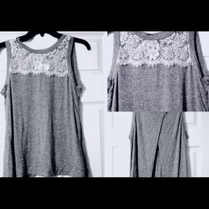Tops - Open-Back Sleeveless Lace Blouse