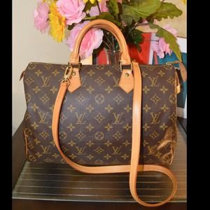% Authentic Louis Vuitton Speedy 35 Mono wstrap