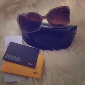 NWOT Authentic FENDI sunglasses