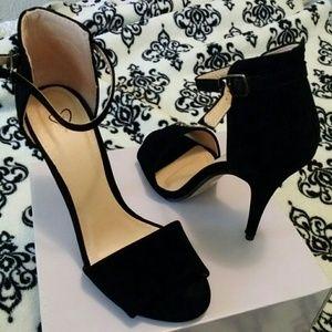 Shoes - 7.5 blk heels