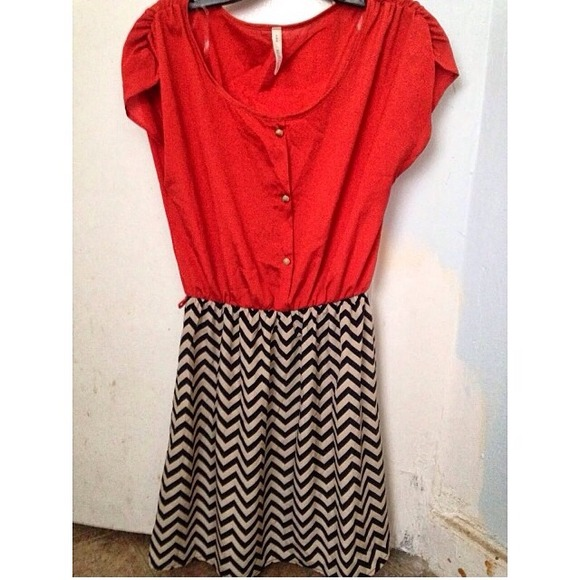 Dresses - 🌟REDUCED🌟Rust & Chevron Dress, Size S
