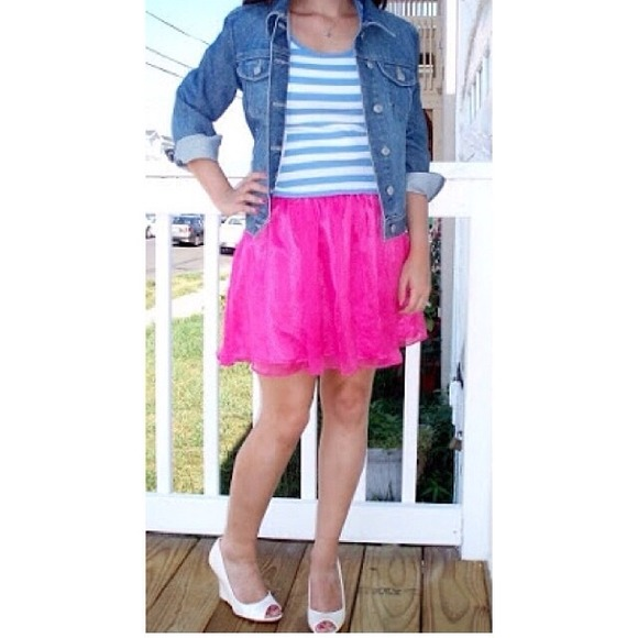 Dresses - Forever 21 Hot Pink Miniskirt