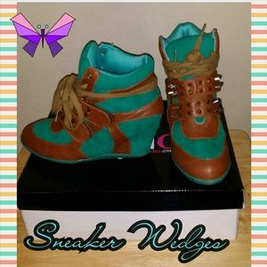 makemechic Shoes - Spiked Sneaker Wedges