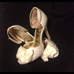 Shoes - White Bow Heels
