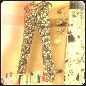 Grey and white flower Dollhouse skinny jeans