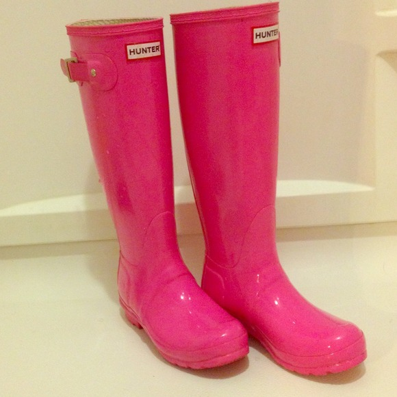 Hunter - HOT PINK HUNTER RAIN BOOTS. from Julianne's closet on ...
