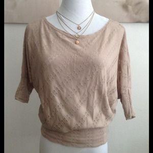 love culture Tops - Cute beige dolman sleeve top