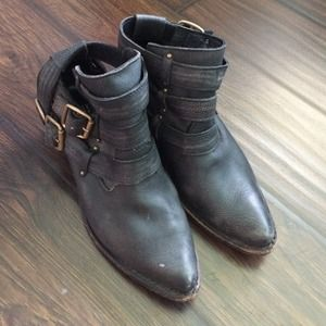Jeffrey Campbell ankle buckle boots fits 7.5 8