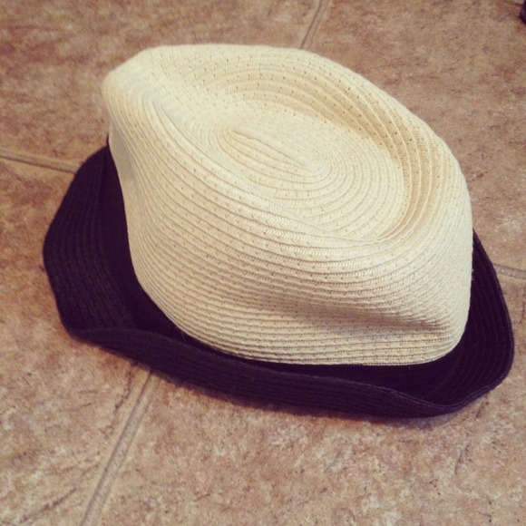 Accessories - Forever 21 Straw Fedora