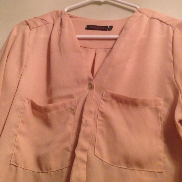 Tops - Pale peach blouse